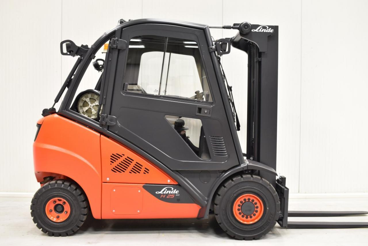 33670 LINDE H 25 T-02/600 - LPG, 2014, Kabina, BP, Volný zdvih, Triplex