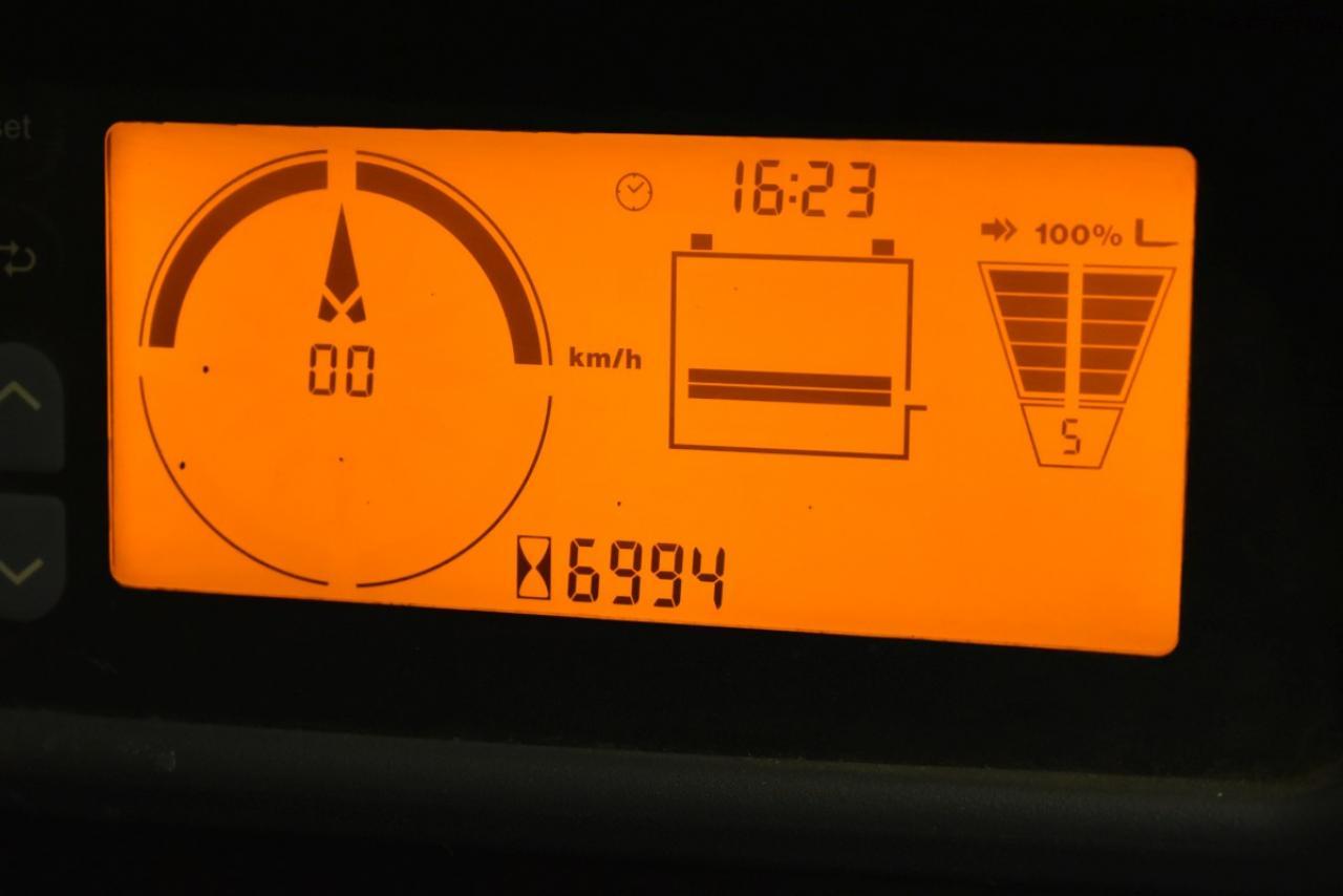 33725 JUNGHEINRICH EFG 218 K - AKU, 2014, BP, Volný zdvih, pouze 6992 mth