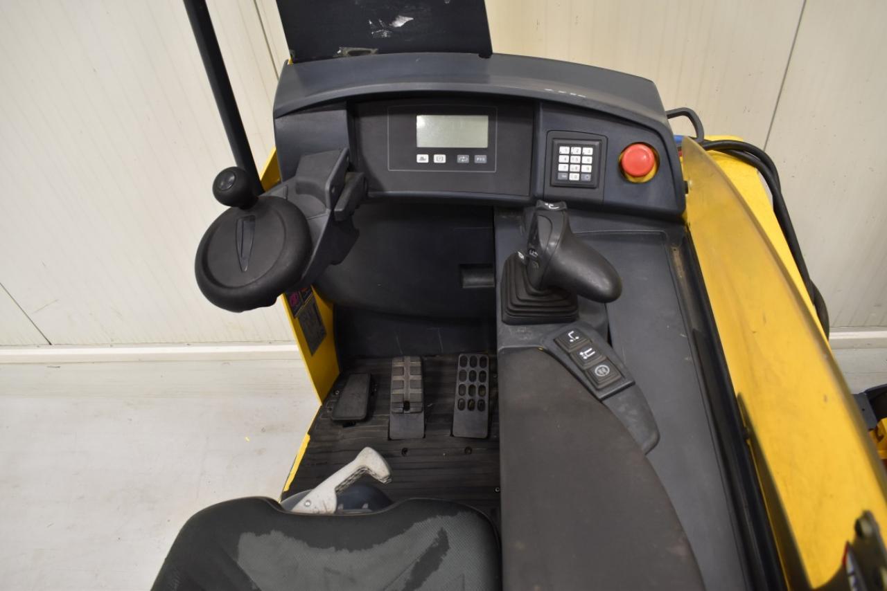 33837 JUNGHEINRICH ETV 216 - Battery, Reach truck, 2010, Free lift, TRIPLEX