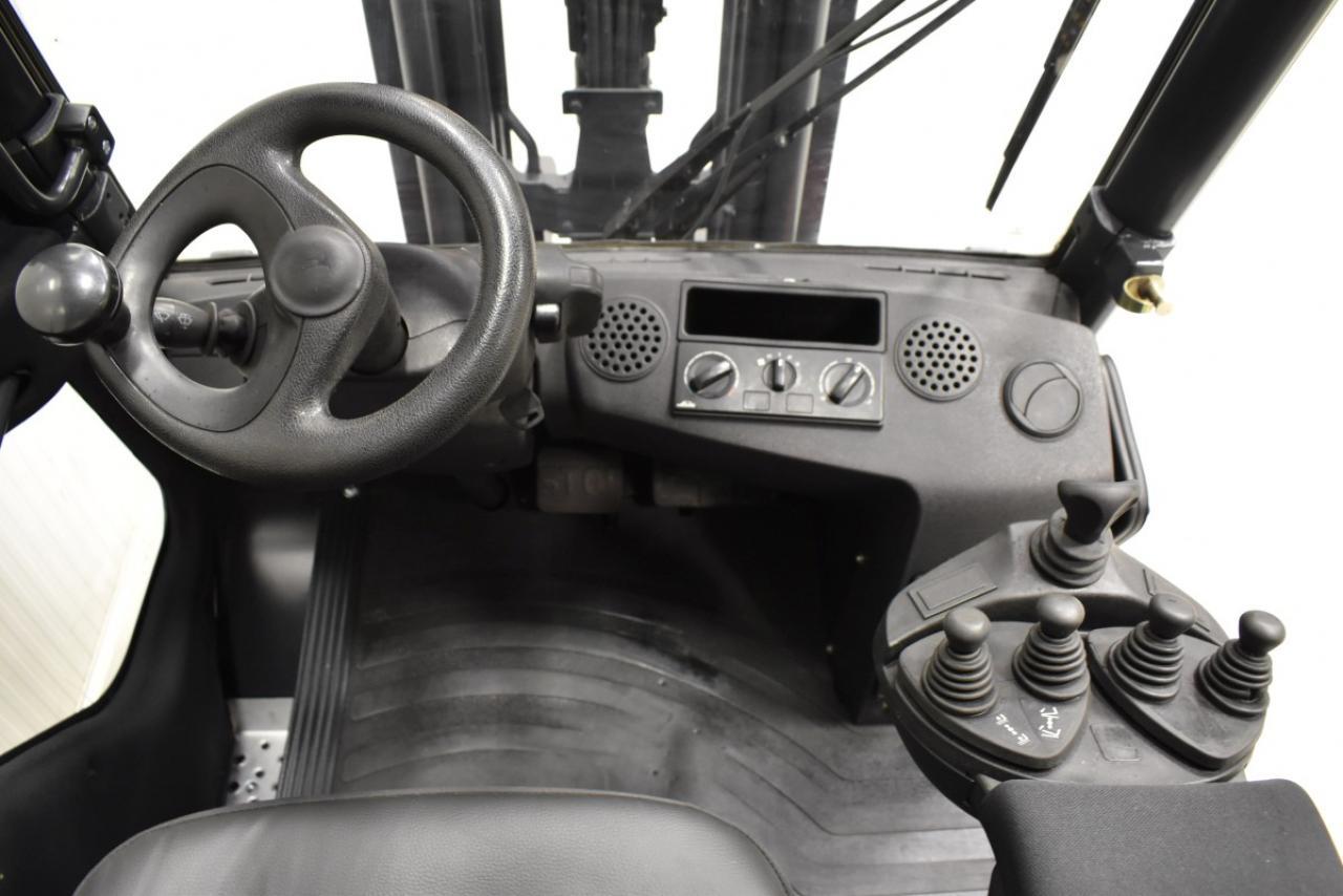 34051 LINDE H 30 T-01 - LPG, 2012, Cabin, SS, Free lift, TRIPLEX