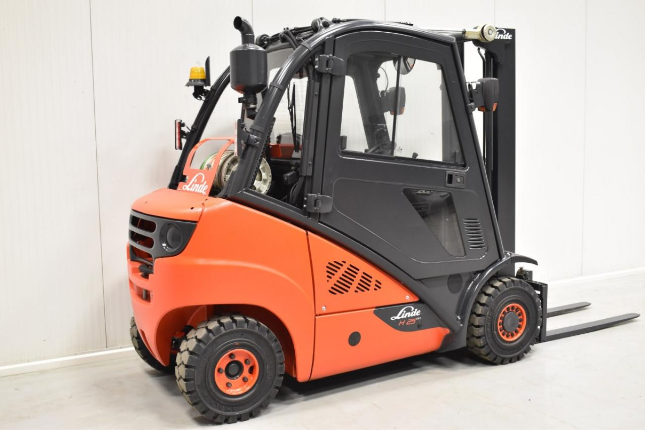 34053 LINDE H 25 T-01 - LPG, 2012, Cabin, SS, Free lift
