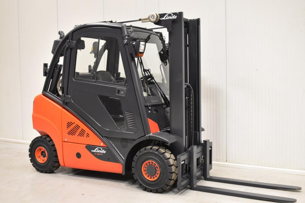 34056 LINDE H 25 T-01 - LPG, 2012, Cabin, SS, Free lift
