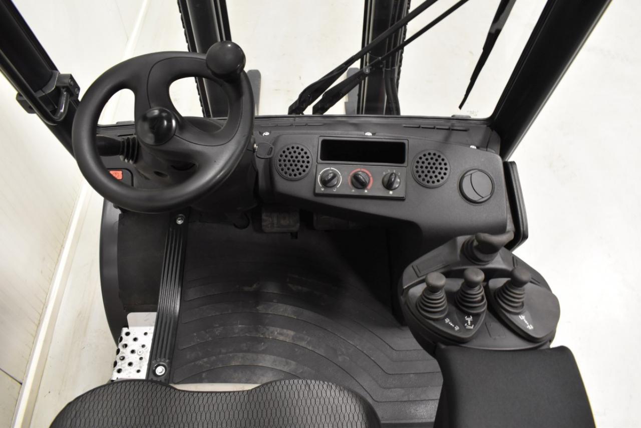 34058 LINDE H 30 D - Diesel, 2004, polokabina