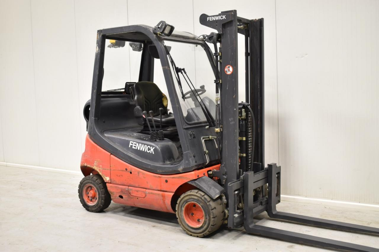 34061 LINDE H 18 T-03 - LPG, 2006, SS, Free lift, only 2652 hrs