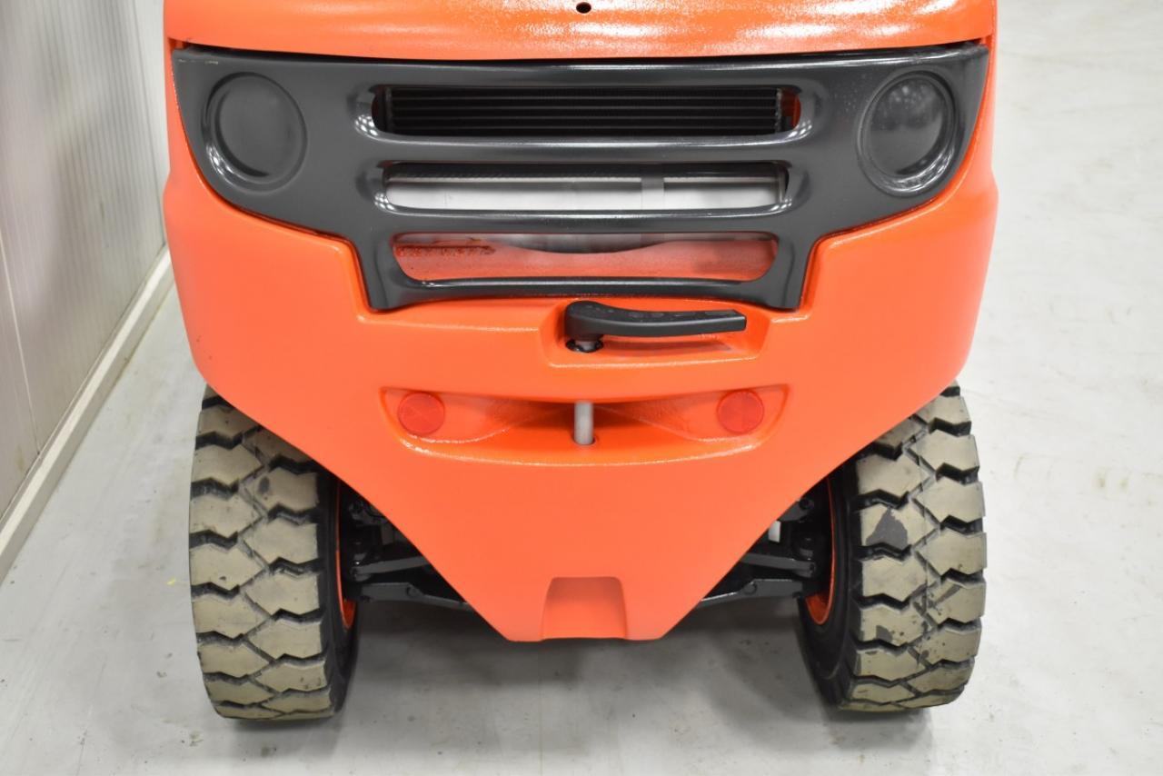 34217 LINDE H 35 T-01 - LPG, 2012, Kabina, Volný zdvih, Triplex