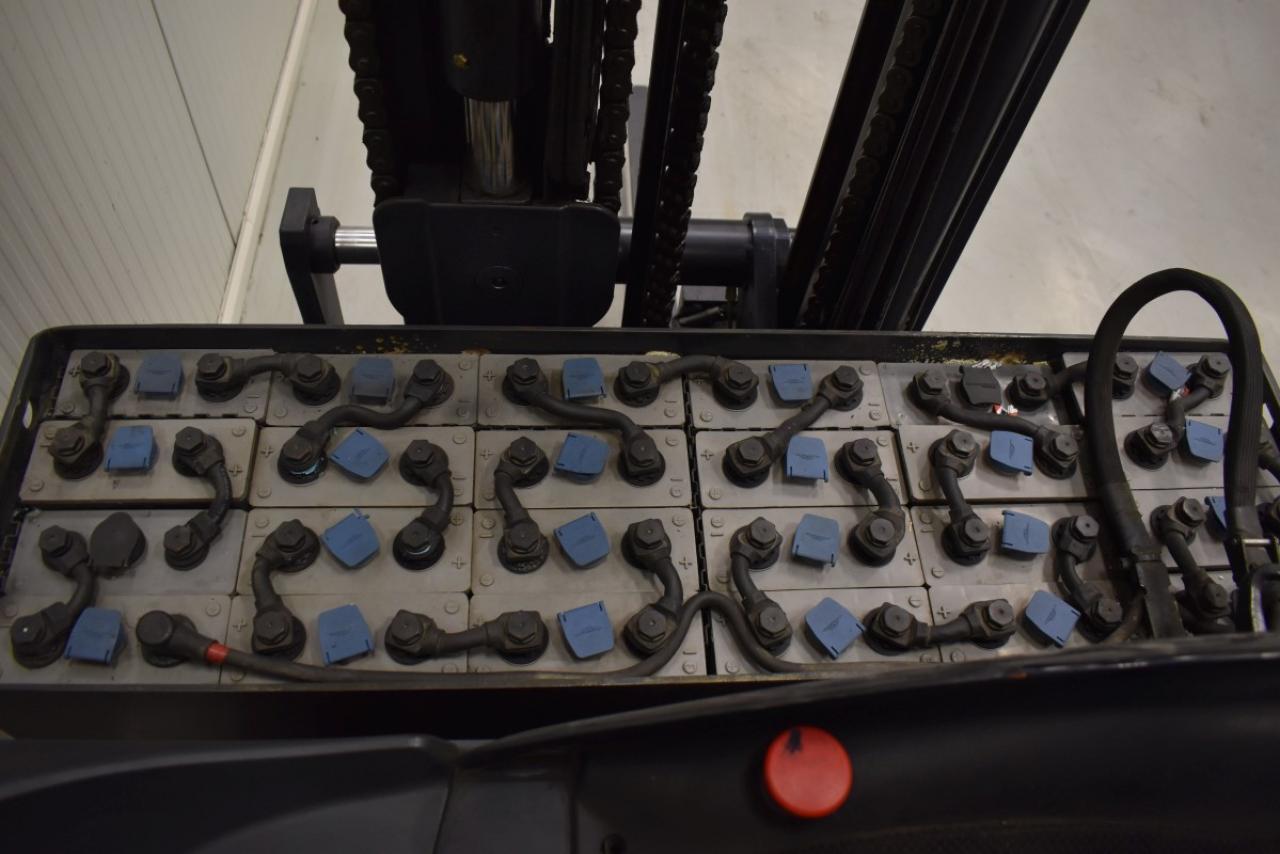 34322 LINDE R 14 - Battery, Reach truck, 2005, SS, Free lift, TRIPLEX