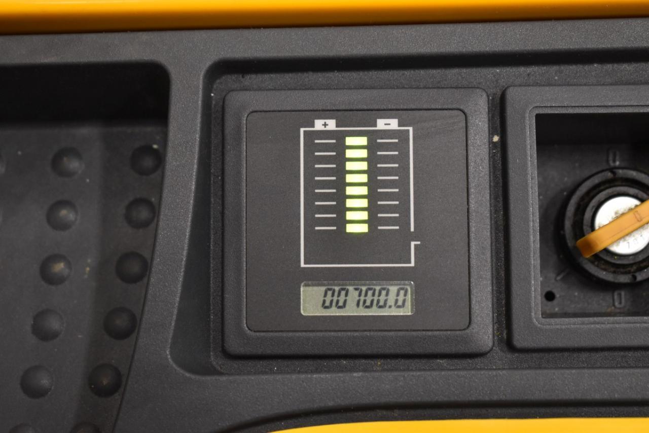 34415 JUNGHEINRICH EJC 214 z - AKU, 2012, Volný zdvih + přízdvih, pouze 700 mth