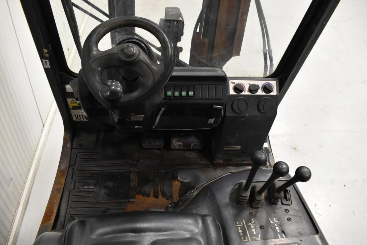 34520 LINDE H 20 T-03 - LPG, 2004, polokabina, BP, Volný zdvih, Triplex, pouze 5231 mth