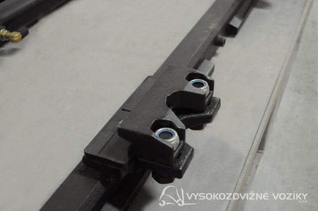 boční posuv SS-2A  Šířka 1350 mm