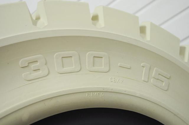 Pneumatika 300-15; CBX 8.0 D