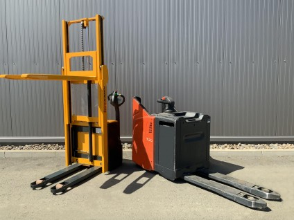Skladová technika: Retraky, ručně vedené vysokozdvižné a nízkozdvižné vozíky